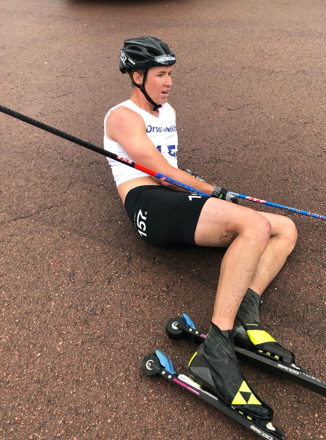 Emil Persson pustar ut på toppen. FOTO: Marcus Laggar.