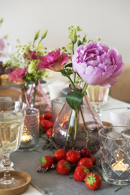 Blomster og jordbær_970x1453.jpg