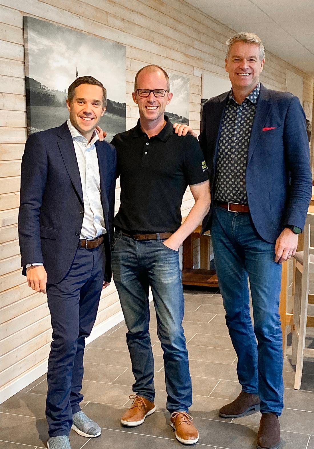 Trion Jonas Holmkvist, Martin Siljegård, Stephan Artursson är i allra högsta grad involverade i det nya testcentret vid Halmstad Golfarena. FOTO: Halmstad Fystester AB.