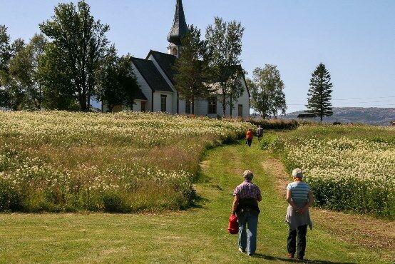 Rørstad kirke, foto Tore Solem