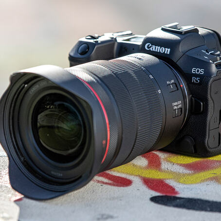 Canon EOS R5 er Canons virkelige toppmodell, og peker ut veien for de neste årene. (Foto: Canon).