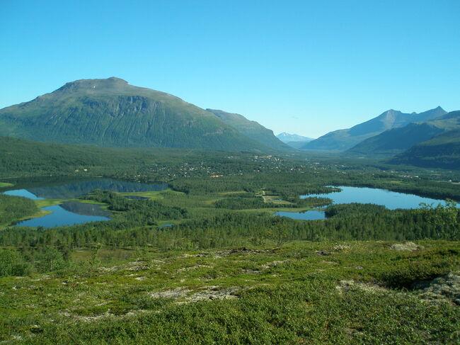 Bygdebyen i Troms  Setermoen med Stor-Ala i bakgrunnen