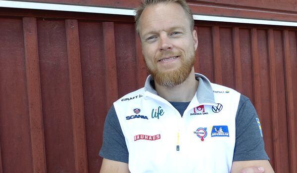 Nye landslagschefen Anders Byström har äntligen fått samla åkare, tränare och ledare i Torsby. FOTO: Johan Trygg/Längd.se.