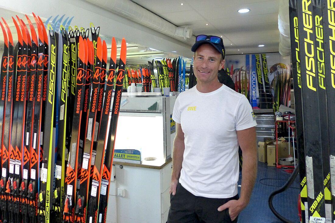 Svenska längdlandslagets vallachef Petter Myhlback och hans vallastab är rejält laddade för att leverera toppskidor till de svenska åkarna under Tour de Ski. FOTO: Johan Trygg/Längd.se.