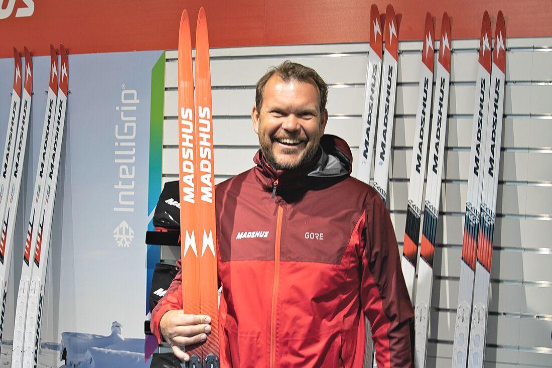 Nu blir det skidor på heltid igen för Thobias Fredriksson som kommer att jobba för norska skidmärket Madshus i Sverige. FOTO: Madshus.