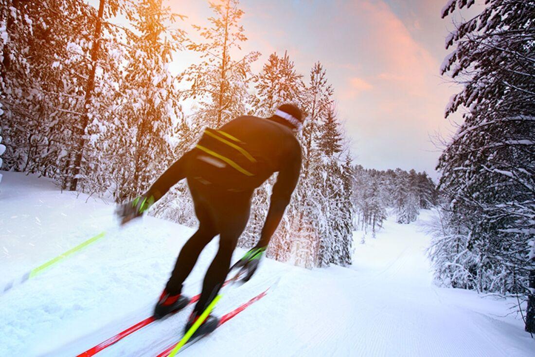 Redan i slutet av oktober kommer Vallåsen kunna erbjuda 1,4 kilometer längdspår då man har möjlighet att producera snö i plusgrader. FOTO: Branäsgruppen.