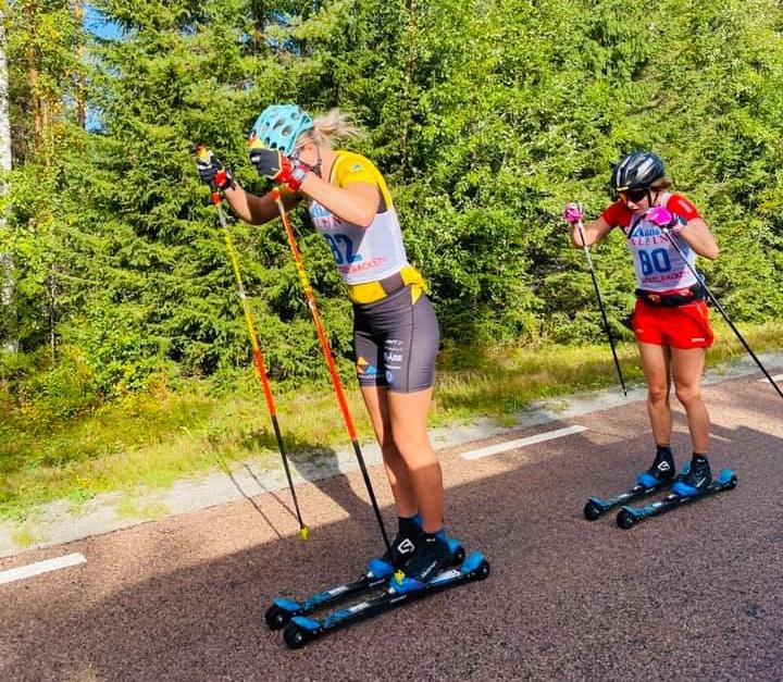 Jenny Larsson och Laila Kveli på jakt efter Lina Korsgren. FOTO: MidSweden 365.