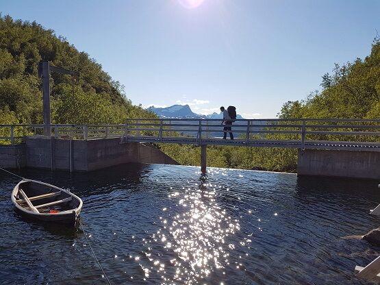 Demning med gangbane før arbeid sommer 2020.Foto: Elisabeth Hansen.