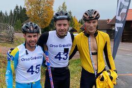 Topptrion på träningstävlingen över sju mil i Grönklitt. Fr.v. trean Bob Impola, ettan Anton Karlsson och tvåan Max Novak. FOTO: Marcus Laggar.