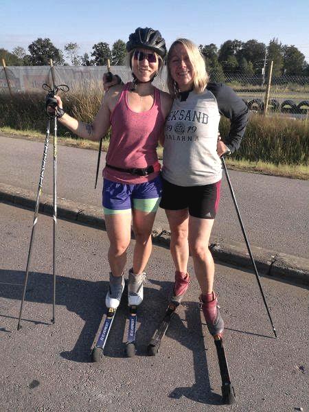 Jessica Blanck till vänster och Monica Hultén till höger. Ett syskonpar som  deltog på rullskidträffen i somras.