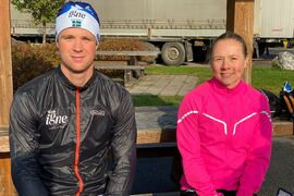 Johan Lövgren och Sofia Lindberg vann Team Esplanad-loppet utanför Umeå på söndagen. FOTO: Arrangören.