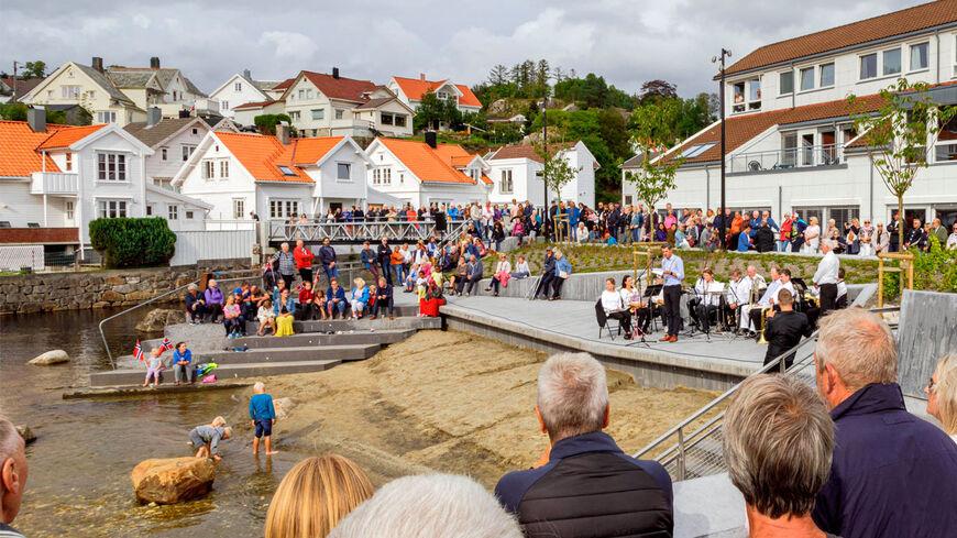 Åpning av ny elvepark i Egersund sentrum, en del av våre flomsikringstiltak.