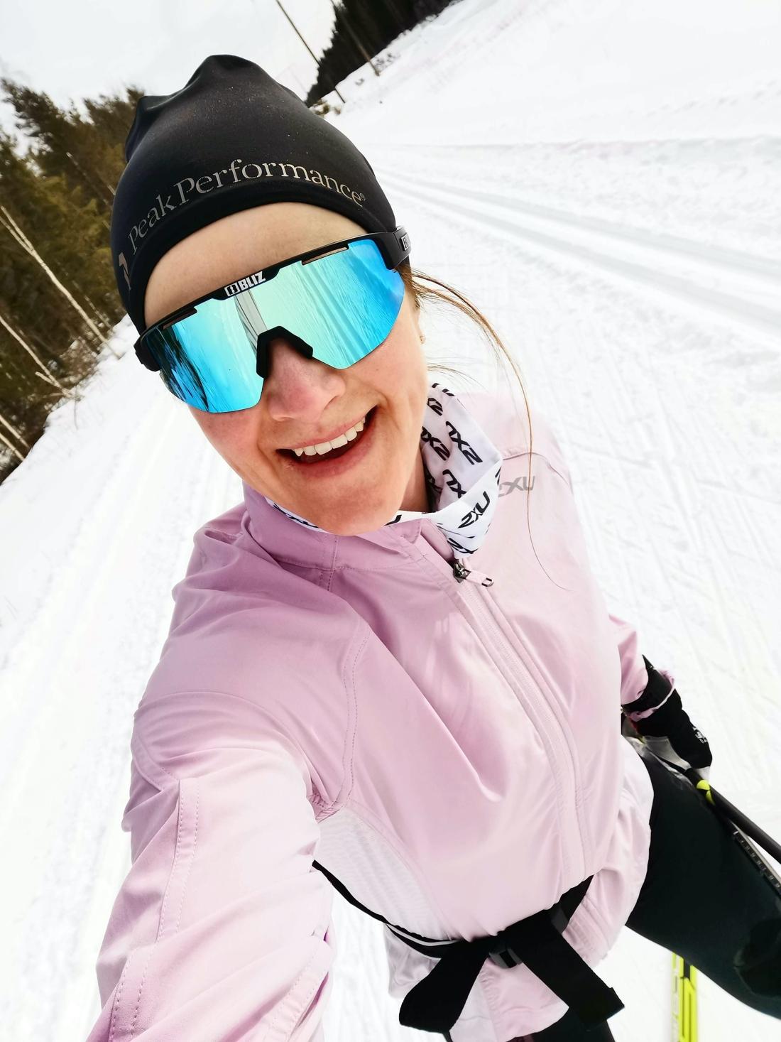 Helene trivs på skidorna, även efter den aktiva karriären. FOTO: Privat.