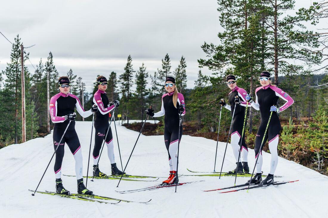Viktor Mäenpää, Hannes Mäenpää, Hedda Bångman, Morten Eide Pedersen och Linn Sömskar från långloppslaget Team Nordic Ahtlete kommer att tävla i kläder och glasögon från Northug.