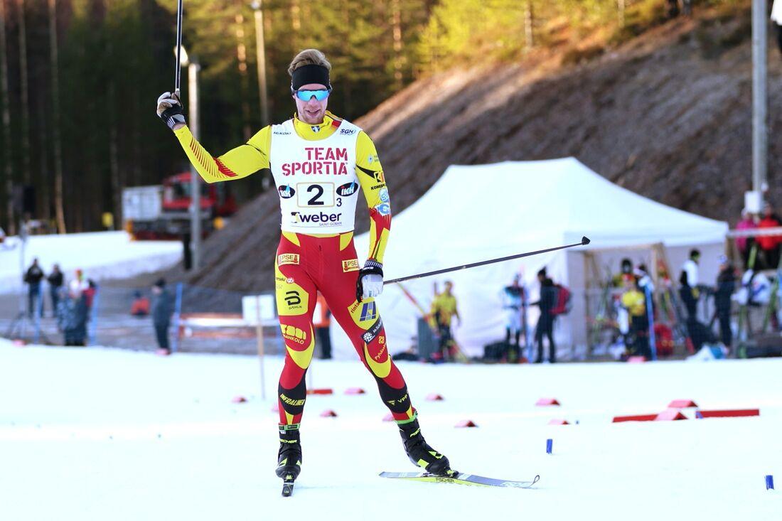 Joni Mäki förde Pohti Skiteam till seger i finska cupens stafett på söndagen. FOTO: Touho Häkkinen.