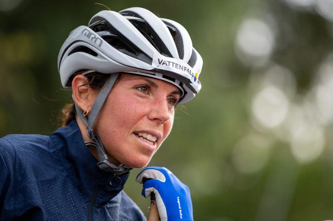 Charlotte Kalla har uppvisat symptom på Covid-19. FOTO: Svenska skidförbundet.