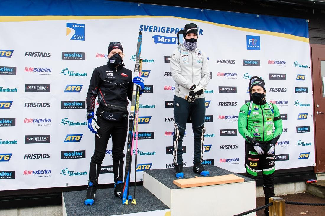 SM-medaljörerna: Silver till Jesper Nelin, Piteå Skidskytte Klubb, guld till Sebastian Samuelsson, I 21 IF och brons till Tobias Arwidson, Lima. FOTO: Fredrik Karlsson/Bildbyrån.