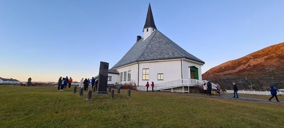 01 - Hasvik kirke