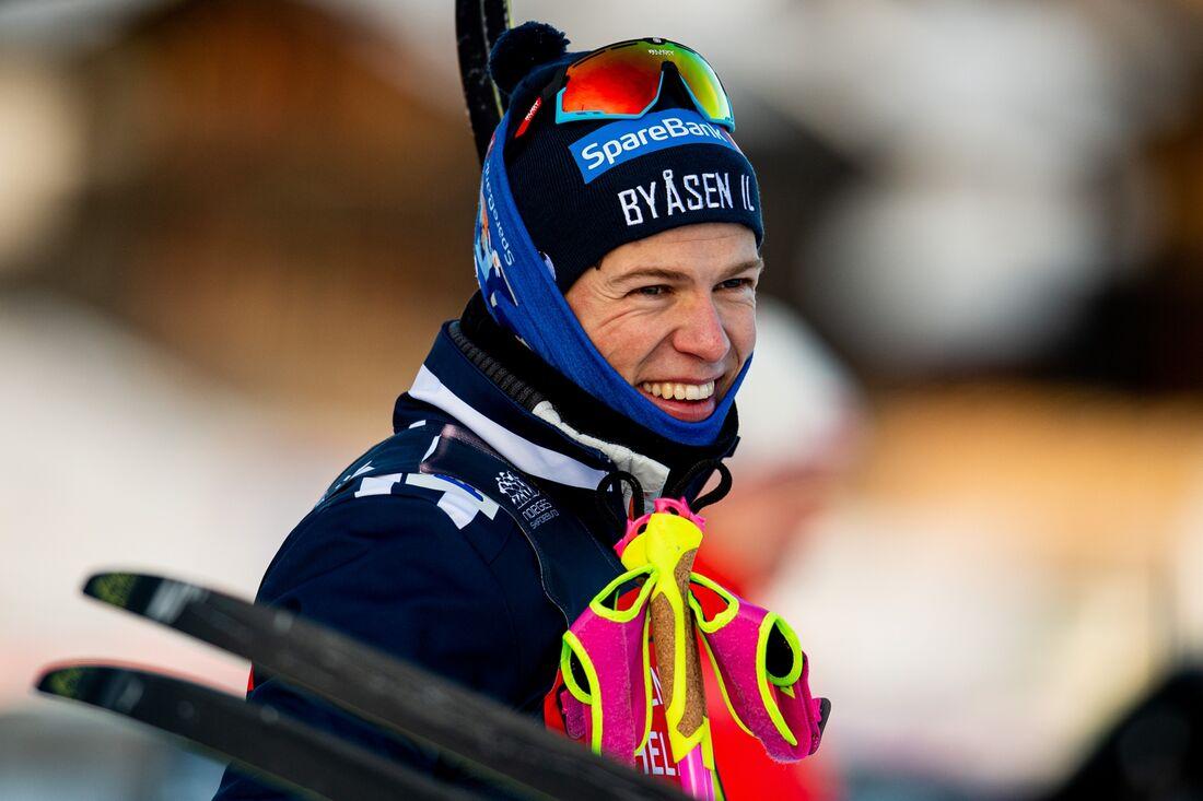 Johannes Hösflot Kläbo hade all anledning att le efter fredagens sprinttävlingar på Beitostölen. FOTO: Vegard Wivestad Grött/Bildbyrån.
