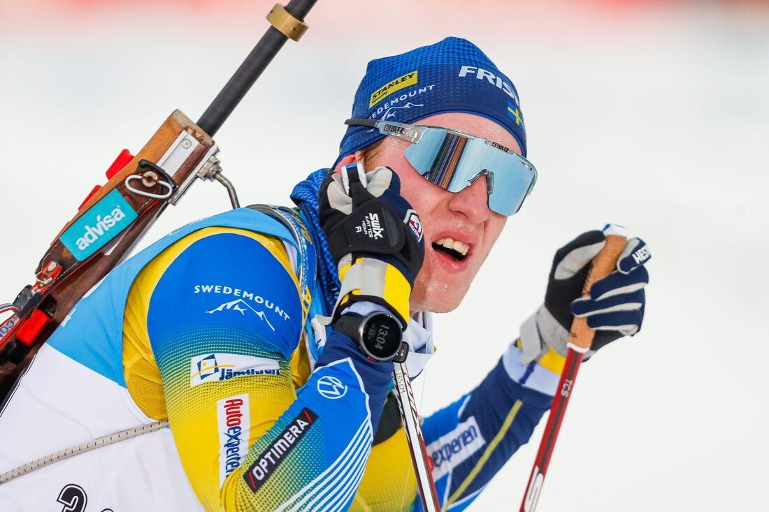 Sebastian Samuelsson blev sexa på världscuppremiären i efter två bommar med hög fart i spåret. FOTO: Kalle Parkkinen/Bildbyrån.