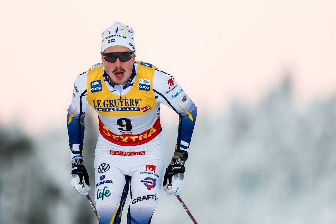 William Poromaa åkte starkt på slutet av loppet i Ruka och blev 15:e man. FOTO: Tomi Hänninen/Bildbyrån.