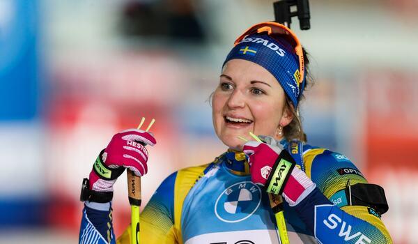 Johanna Skottheim tog tredjeplatsen vid på världscuppremiären i skidskytte i finska Kontiolahti efter fullt skytte. FOTO: Kalle Parkkinen/Bildbyrån.