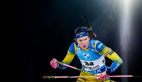 Hanna Öberg vann sprinten i Kontiolahti efter fullt skytte och snabb åkning. FOTO: Kalle Parkkinen/Bildbyrån.