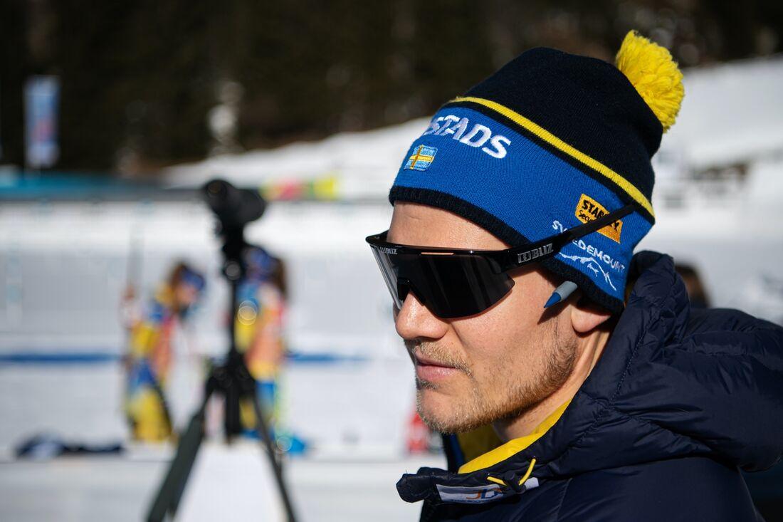 Skidskyttelandslagets huvudtränare Johannes Lukas är förvånad över att flera längdlandslag hoppar av sin världscup. FOTO: Joel Marklund/Bildbyrån.