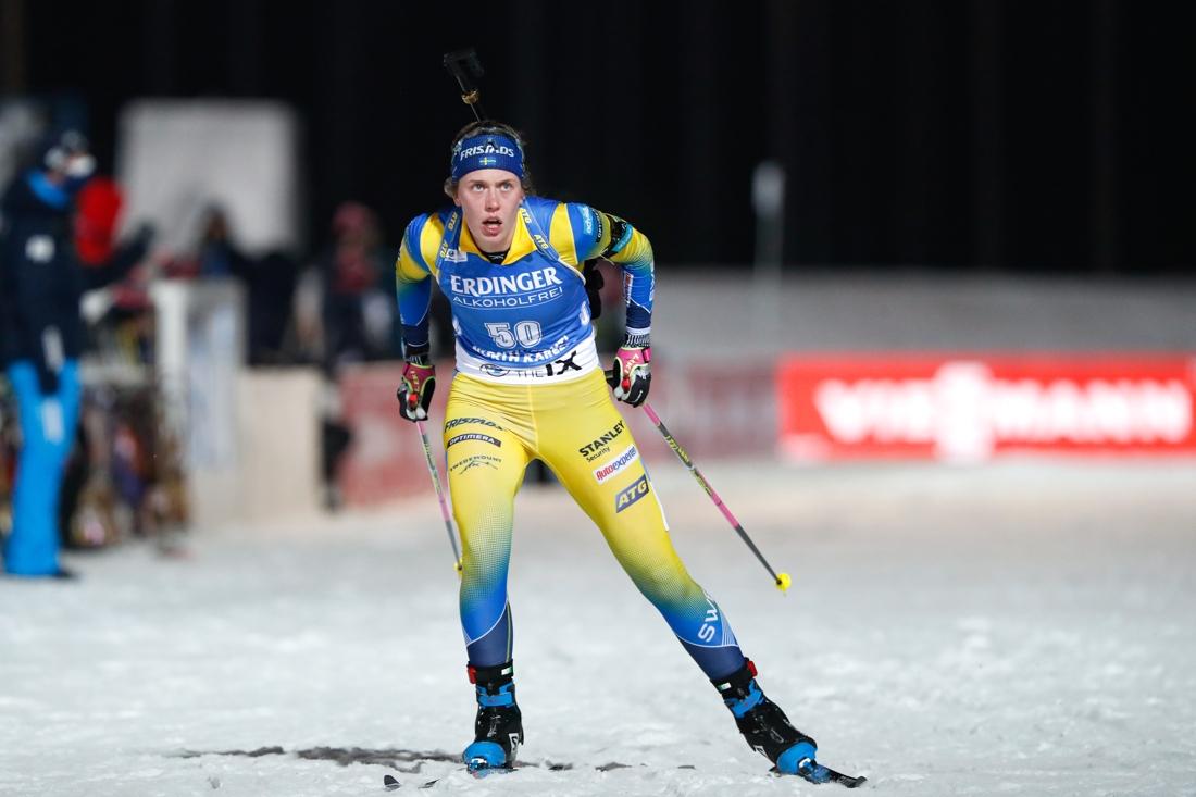 Full speed in i mål förde Elvira Öberg till första pallplatsen. FOTO: Kalle Parkkinen/Bildbyrån.