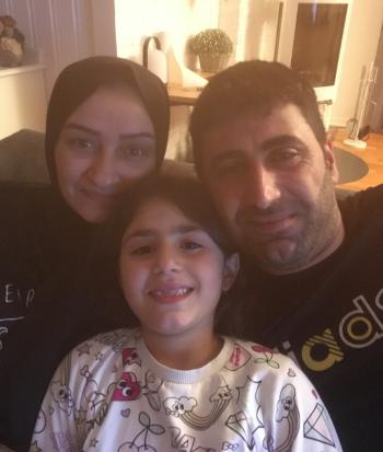 Samira Kosaybani og Wael Jemmo med et av barna