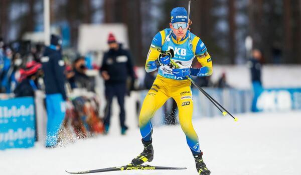 Martin Ponsiluoma går ut med startnummer 9 på lördagens jaktstart i Kontiolahti. FOTO: Kalle Parkkinen/Bildbyrån.
