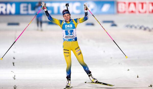 Hanna Öberg förde Sverige till seger på stafetten i Kontiolahti. FOTO: Kalle Parkkinen/Bildbyrån.