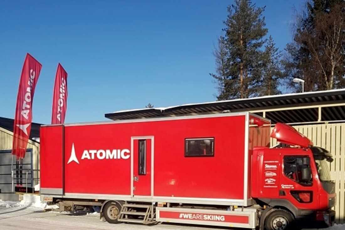 Atomics vallalastbil finns ute på alla svenska cuptävlingar för att ge bra service till Atomic-åkarna. FOTO: Atomic.