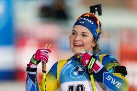 Johanna Skottheim har startat skidskyttesäsongen på en ny nivå. Precis som hela det svenska laget. FOTO: Kalle Parkkinen/Bildbyrån.