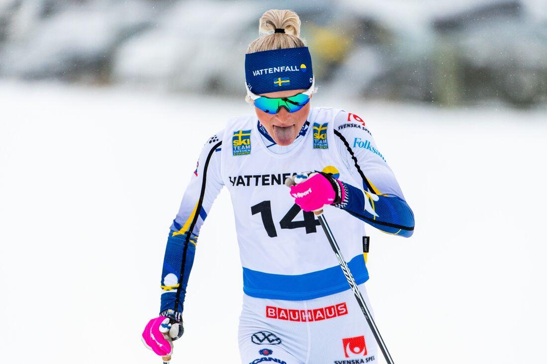 Frida Karlsson visade fin form och vann klart före Ebba Andersson i Östersund på torsdagen. FOTO: Erik Mårtensson/Bildbyrån.