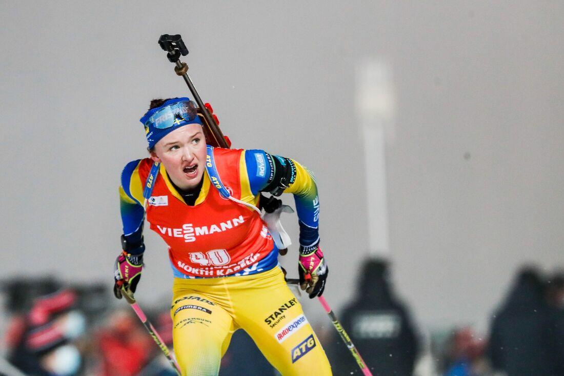 Linn Persson är först ut av de svenska tjejerna på fredagens sprint i Hochfilzen. FOTO: Kalle Parkkinen/Bildbyrån.