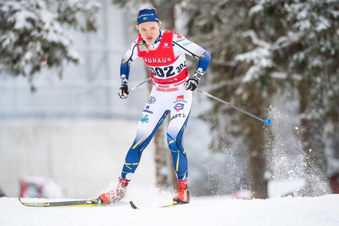 Linn Svahn vann sprinten i Östersund tätt före Jonna Sundling. FOTO: Erik Mårtensson/Bildbyrån.