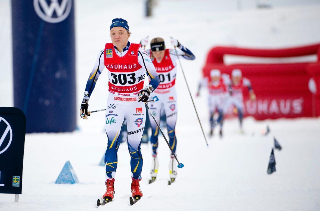 Linn Svahn vann före Jonna Sundling (utanför bild) och med Frida Karlsson som trea. FOTO: Erik Mårtensson/Bildbyrån.