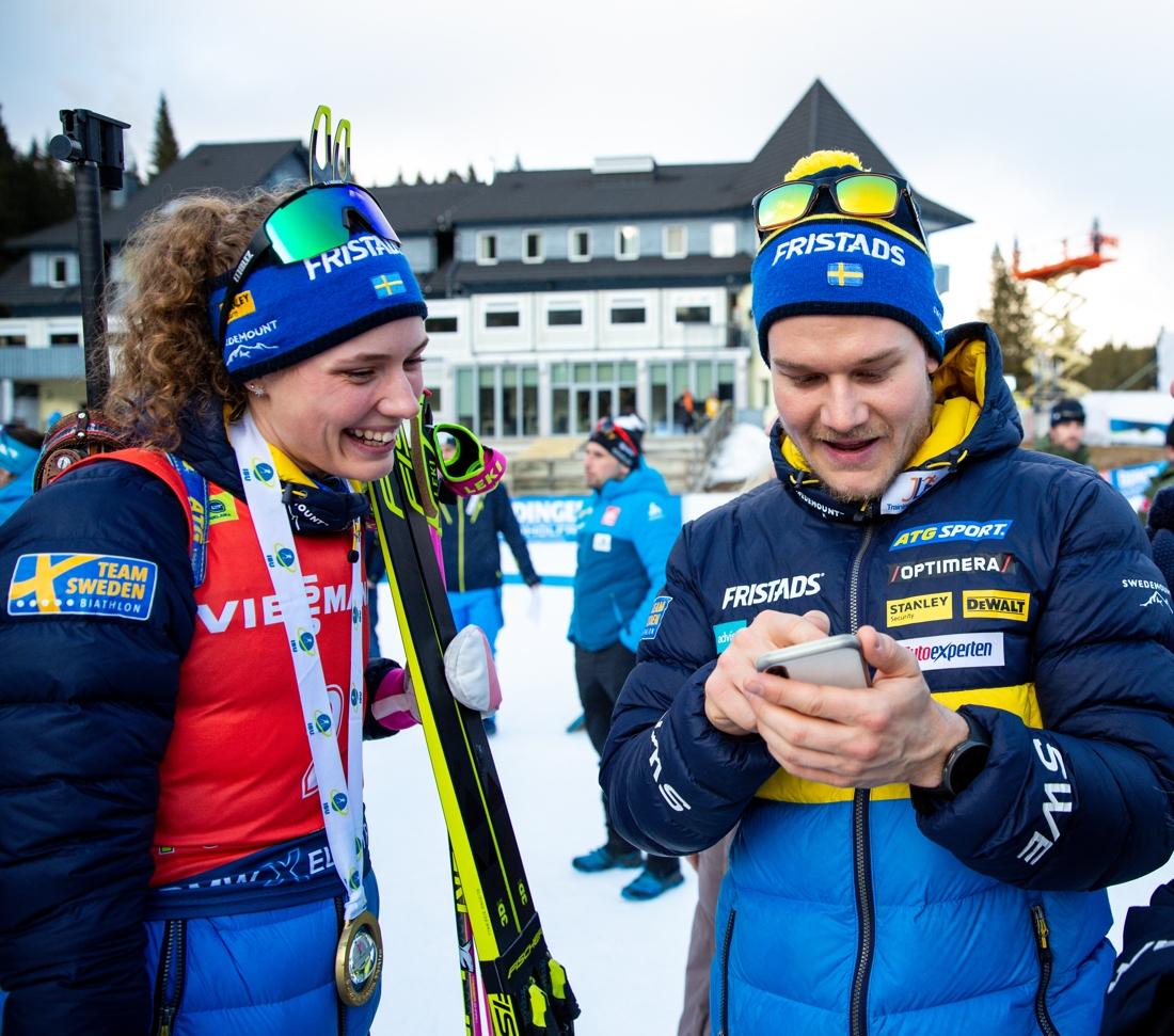 Hanna Öberg och Johannes Lukas skrattar tillsammans. FOTO: Matic Klansek, Gepa Pictures/Bildbyrån.