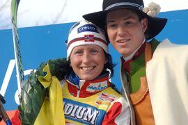 Marit Björgen vann 4 mars 2006 den världscuptävling över 45 km i klassisk stil som gick i Vasaloppsspåret. Här är hon med kransmasen Martin Johansson, IFK Mora. FOTO: Vasaloppet/Nisse Schmidt.