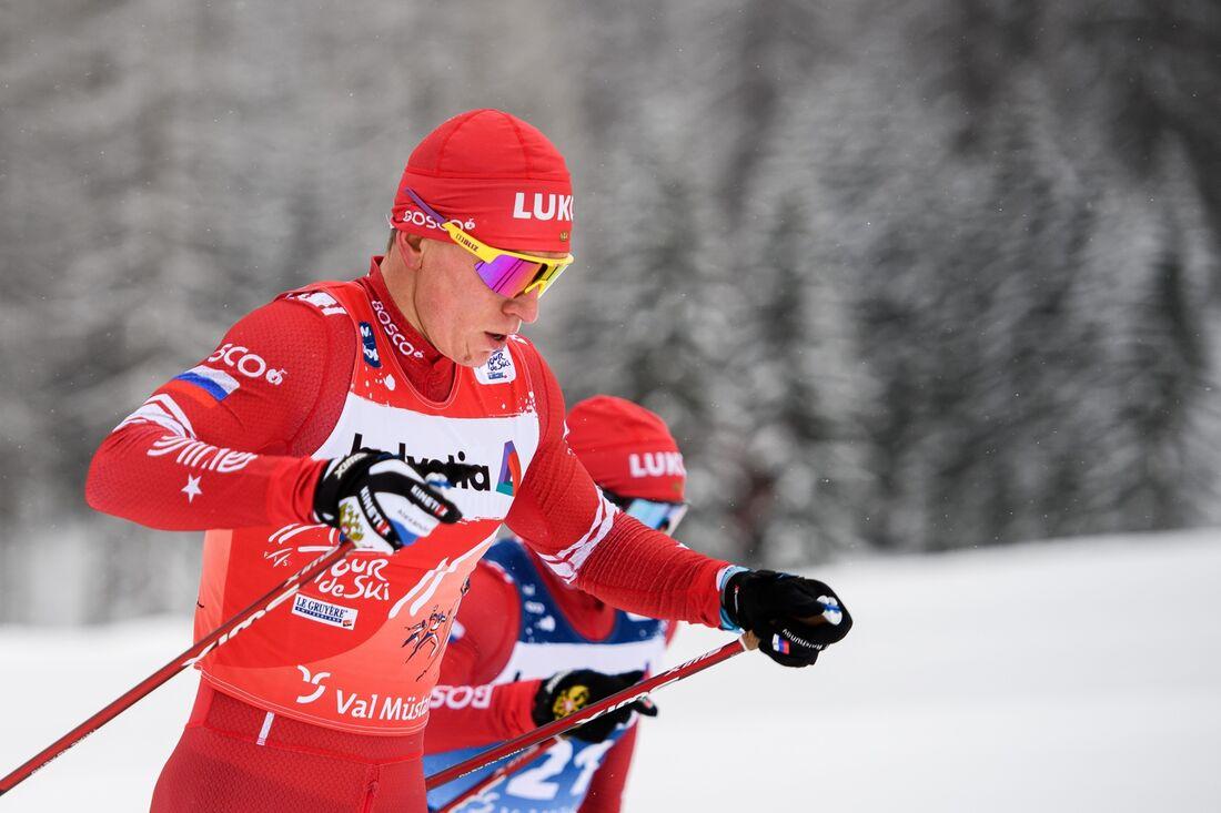 Alexander Bolshunov vann masstarten i Val Müstair i suverän stil. FOTO: Maxim Thoré/Bildbyrån.