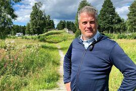 Johan Eriksson, här med Auklandbron i bakgrunden, är utsedd till vd för Vasaloppet. FOTO: Vasaloppet/Alexander Winther.