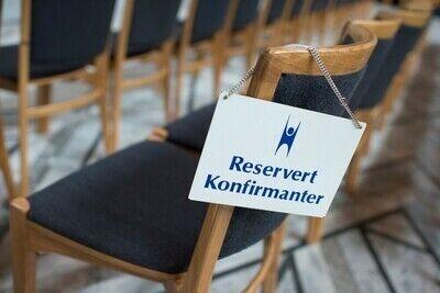 Konfirmasjon-Radhuset-seremoni-HEF-00878_1000_400x267