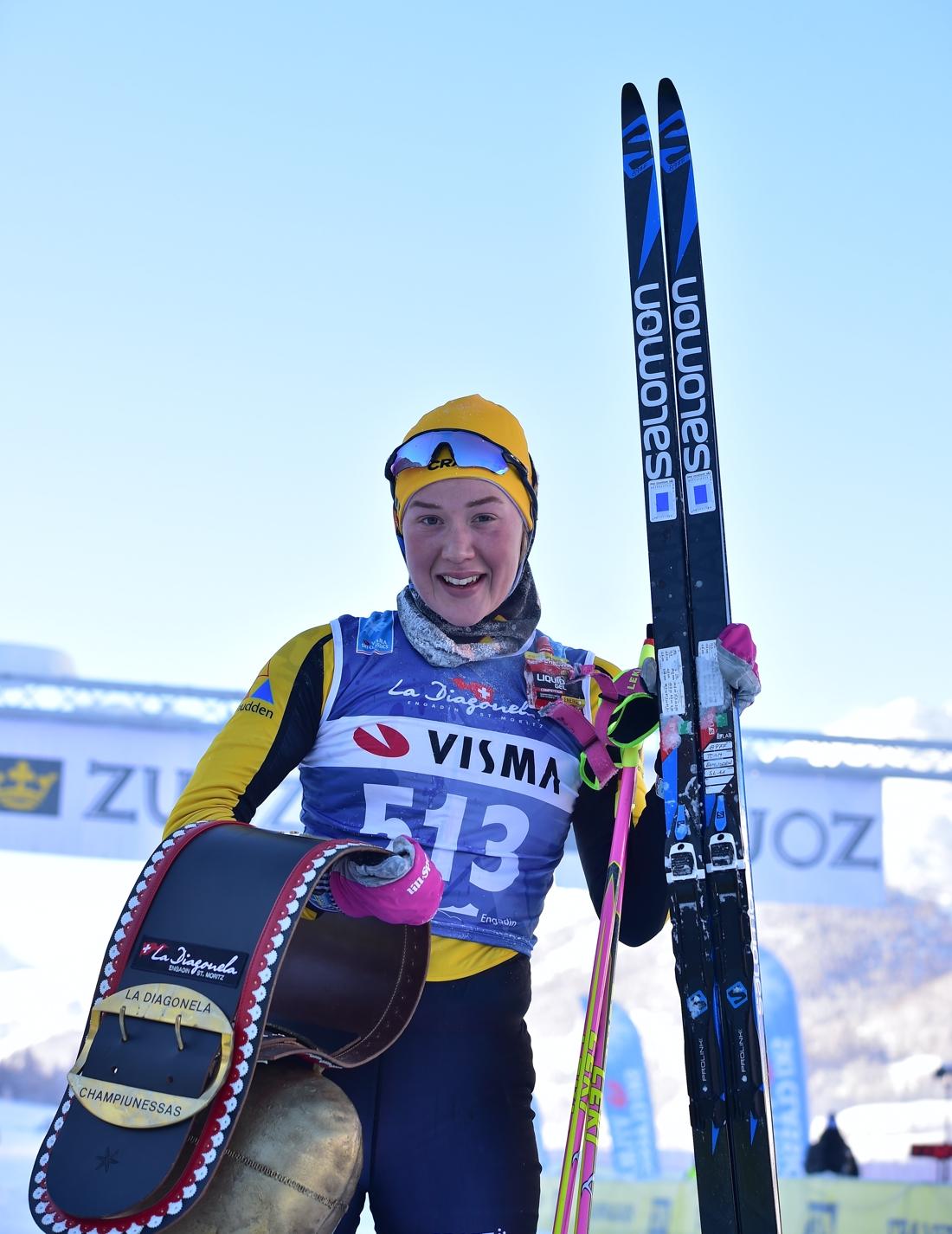 Jenny Larsson efter sin första seger i Visma Ski Classics. FOTO: Nordic focus/Björn Reichert.
