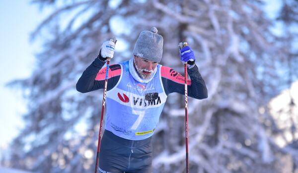 Oskar Kardin på väg på överlägsen seger i Engadin La Diagonela. FOTO: Björn Reichert/Nordic Focus.