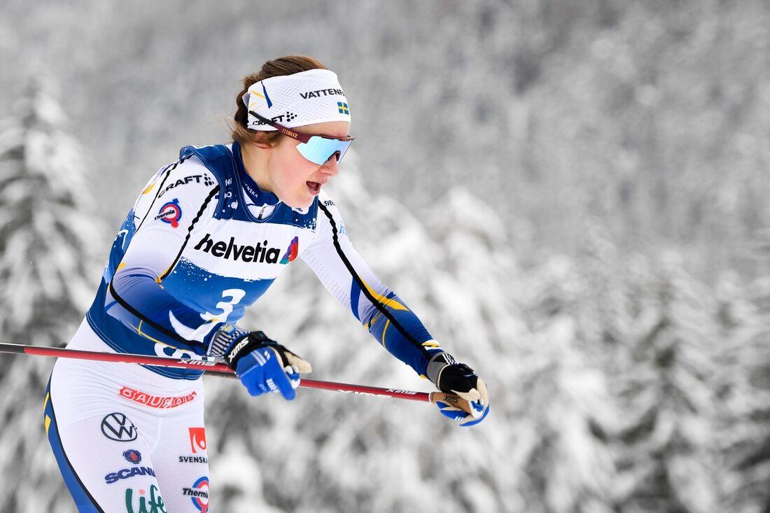 Ebba Andersson är redo för vinterns första kamp mot Therese Johaug när det blir skiathlon i Lahtis, Finland, i morgon. FOTO: Maxim Thore/Bildbyrån.