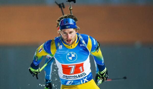 Peppe Femling fick en mardrömsstart på stafetten i Antholz med tre straffrundor. FOTO: Kalle Parkkinen/Bildbyrån.