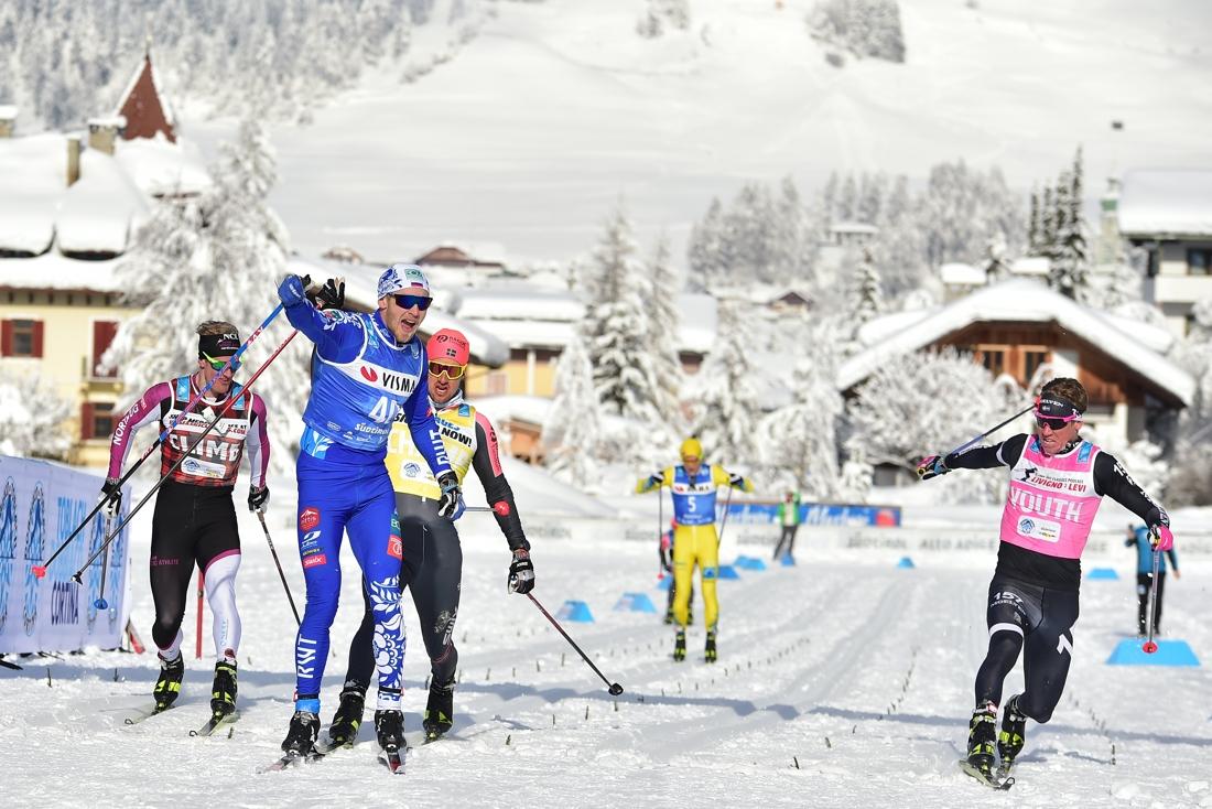 Vokuev tätt före Kardin, Persson och Eide Pedersen över mållinjen. FOTO: Björn Reichert/Nordic Focus.