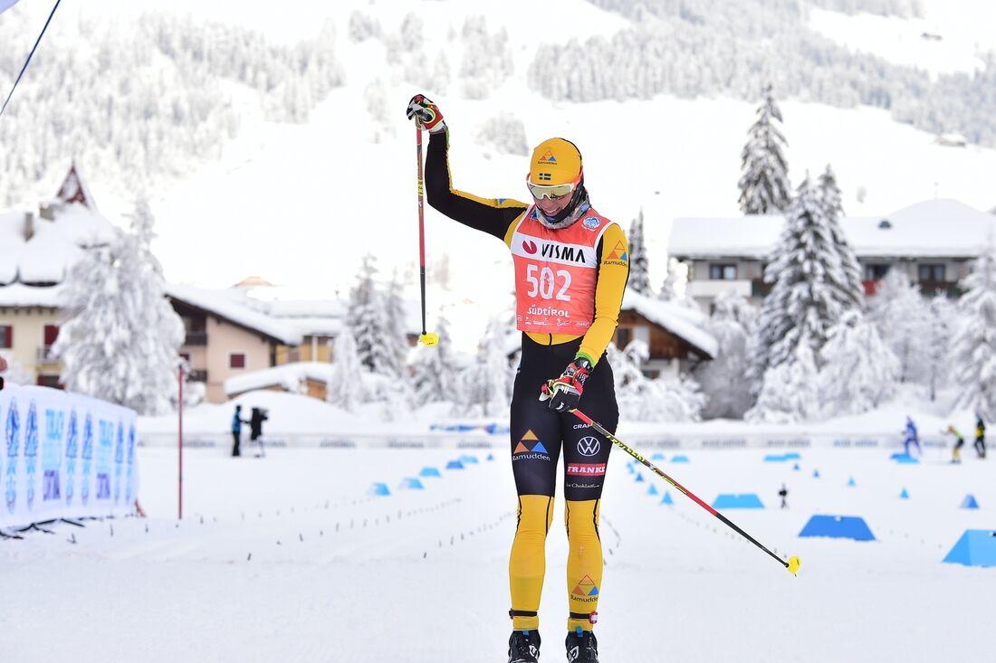 Lina Korsgren solvann Toblach-Cortina efter tidig utbrytning. FOTO: Björn Reichert/Nordic Focus.