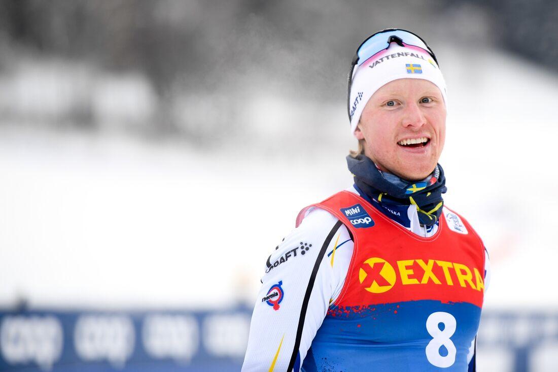 Oskar Svensson efter segern på sprinten i Val di Fiemme under Tour de Ski. FOTO: Maxim Thore/Bildbyrån.